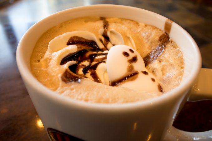 タリーズコーヒーのスノーマンラテ